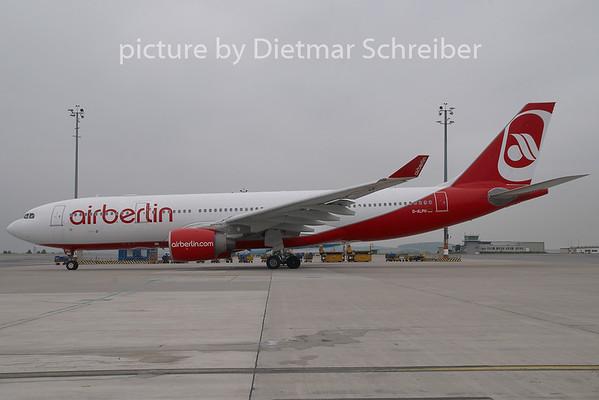 2009-06-26 D-ALPH Airbus A330-200 Air Berlin