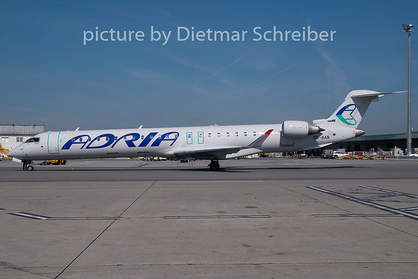 2009-07-29 S5-AAN Regionaljet 900 Adria Airways