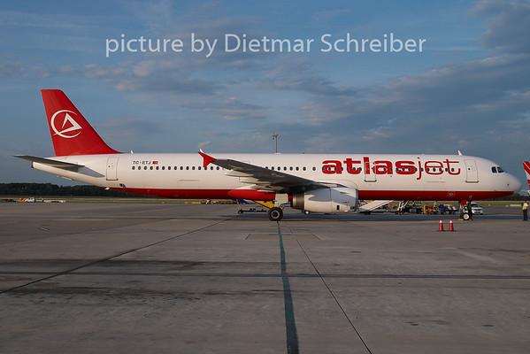 2009-07-31 TC-ETJ Airbus A321 Atlas Jet