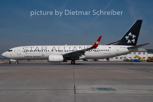2009-07-29 TC-JFI Boeing 737-800 THY