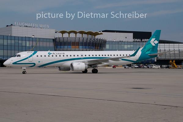 2009-07-28 I-ADJL Embraer 195 Air Dolomiti