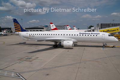 2009-07-28 D-AEMA Embraer 195 AUgsburg Airways