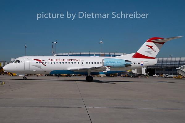 2009-08-31 OE-LFP Fokker 70 Austrian Arrows