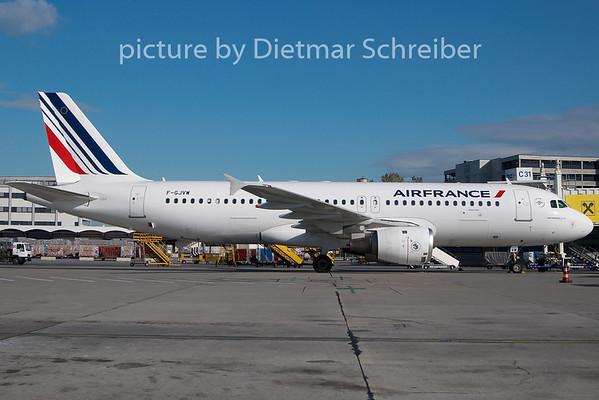 2009-10-27 F-GJVW Airbus A320 Airbus A320