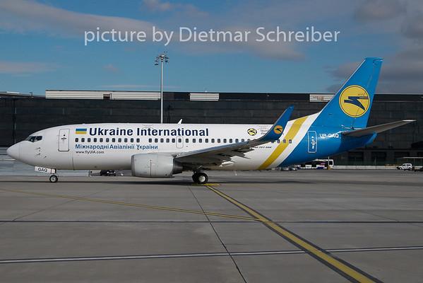 2009-10-27 UR-GAQ Boeing 737-300 Ukraine International