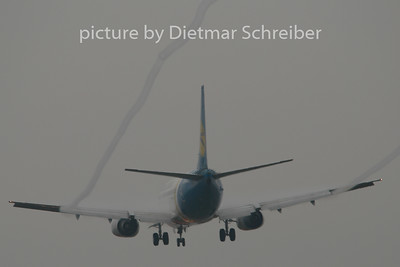 2009-10-26 UR-GAJ Boeing 737-300 Ukraine International