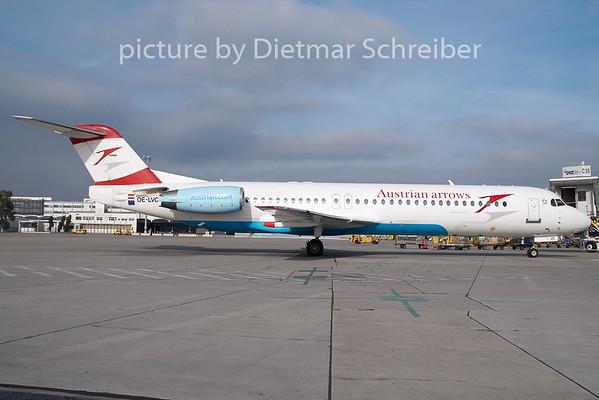 2009-10-23 OE-LVC Fokker 100 Austrian Arrows