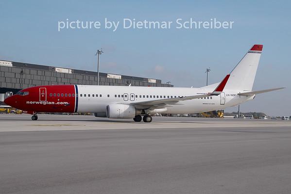 2009-10-23 LN-NOP Boeing 737-800 Norwegian