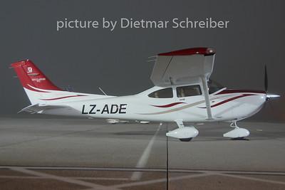 2009-11-27 LZ-ADE Cessna 182