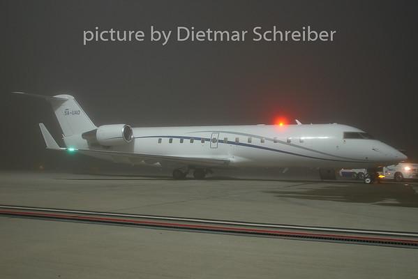 2009-11-27 5A-UAD Regionaljet 850