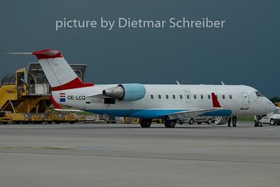 2010-05-27 OE-LCQ Regionaljet Austrian Arrows
