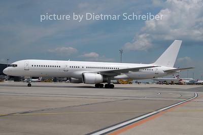 2010-05-24 G-OJIB Boeing 757-200