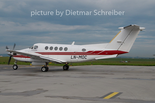 2010-05-27 LN-MOC Beech 200 King AIr
