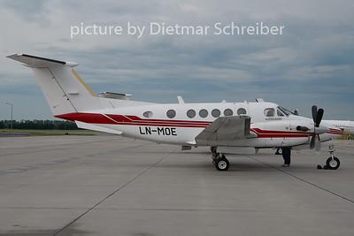 2010-05-27 LN-MOE Beech 200 King AIr
