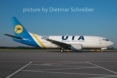 2010-06-29 UR-FAA Boeing 737-300 Ukraine International