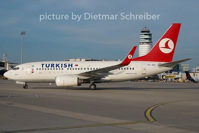 2010-08-20 TC-JKO Boeing 737-700 THY