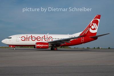 2010-08-20 D-AHXC Boeing 737-700 Air Berlin