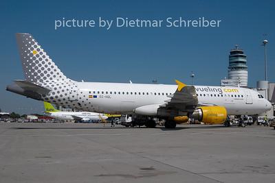 2010-08-23 EC-HQL Airbus A320 Vueling