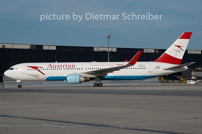 2010-08-20 OE-LAE Boeing 767-300 Austrian Airlines