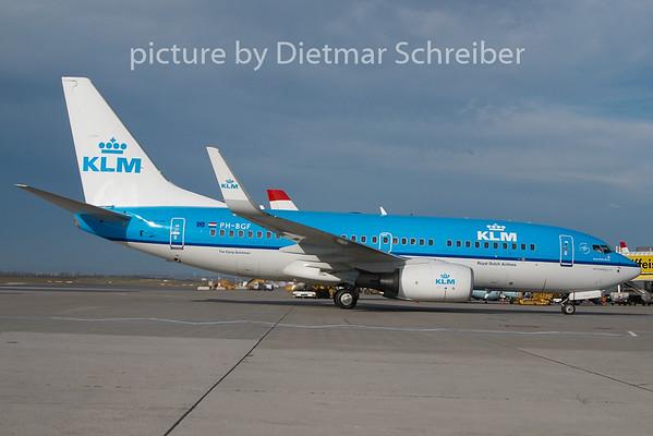 2010-10-31 PH-BGF Boeing 737-700 KLM