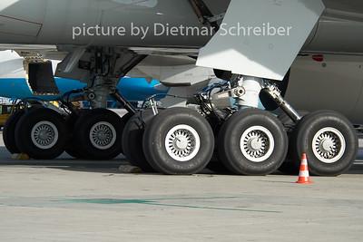 2010-10-31 TC-JJE Boeing 777-300 THY