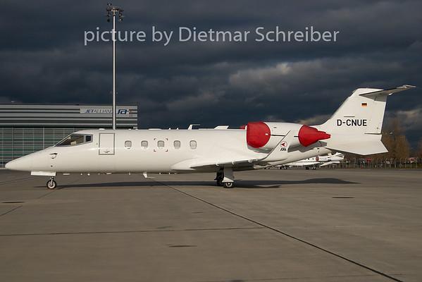 2010-11-23 D-CNUE Learjet 60
