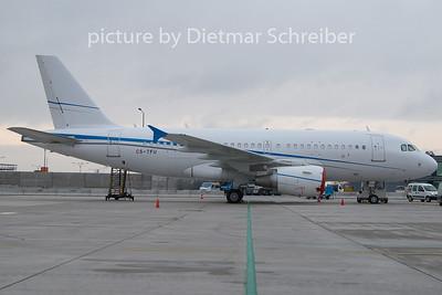 2010-11-22 CS-TFU Airbus A319 White