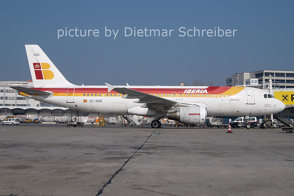 2011-02-28 EC-HDK Airbus A320 Iberia