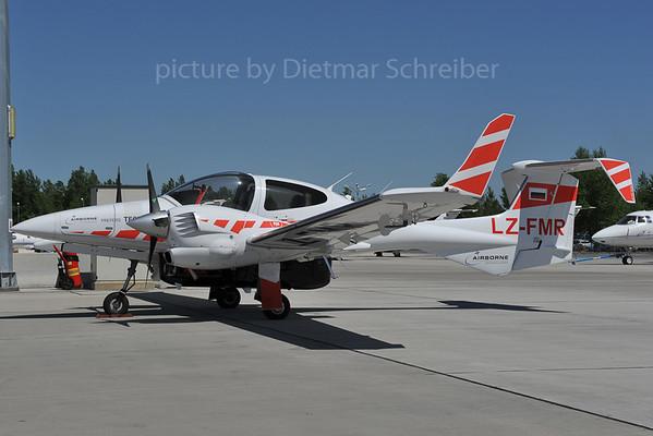 2012-04-30 LZ-FMR Diamond DA42