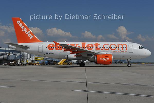2011-05-31 G-EZIK AIrbus A319 Easyjet