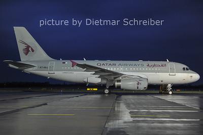 2011-07-24 A7-HHJ AIrbus A319 Qatar