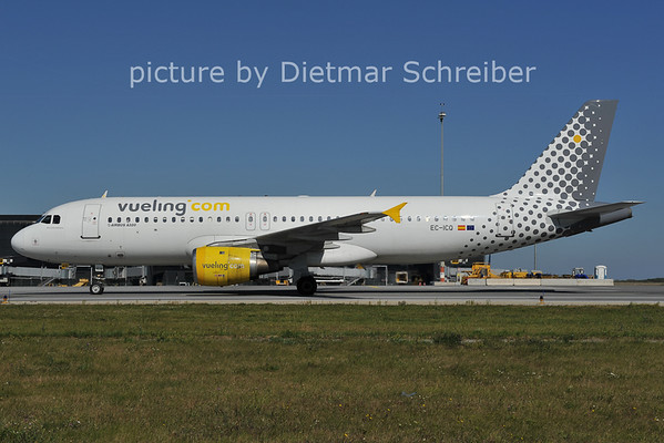 2011-09-30 EC-ICQ Airbus A320 Vueling