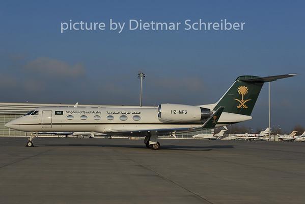 2011-11-29 HZ-MF3 Gulfstream 4