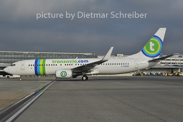 2011-11-29 F-GZHD Boeing 737-800 Transavia France