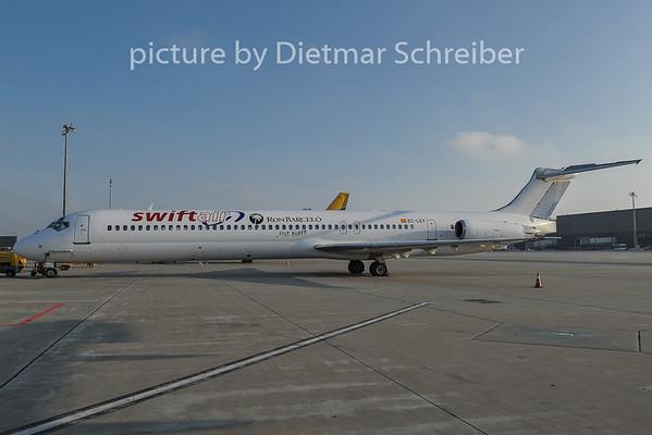 2011-11-29 EC-LEY MD80 Swiftair