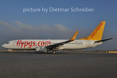 2011-11-29 TC-AAS Boeing 737-800 Pegasus