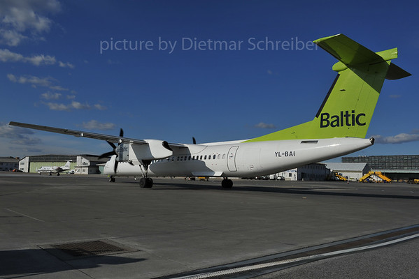 2012-02-27 YL-BAI Dash 8-400 AIr Baltic