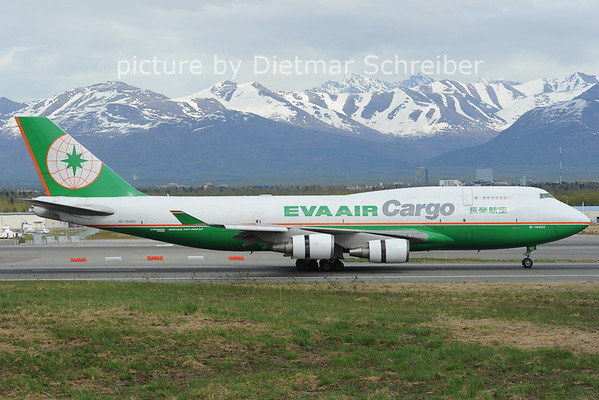 2012-05-19 B-16462 Boeing 747-400 Eva Air