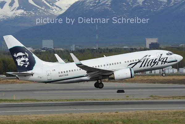 2012-05-19 N627AS Boeing 737-700 Alaska AIrlines