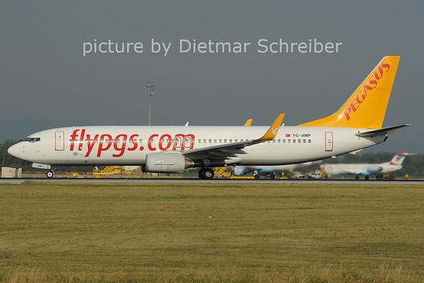 2012-06-29 TC-AMP Boeing 737-800 Pegasus
