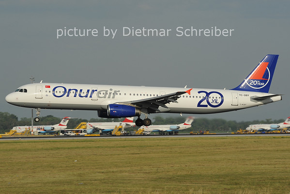 2012-06-29 TC-OBY Airbus A321 Onur Air