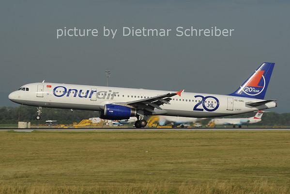 2012-06-29 TC-OAL AIrbus A321 Onur Air
