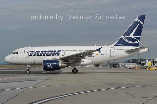 2012-08-29 YR-ASB Airbus A318 Tarom
