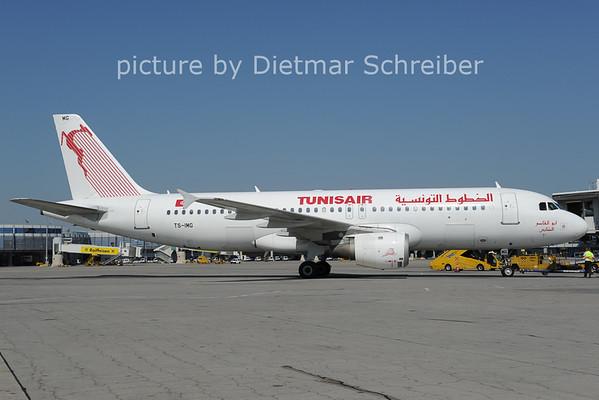2012-09-11 TS-IMG Airbus A220 Tunis Air