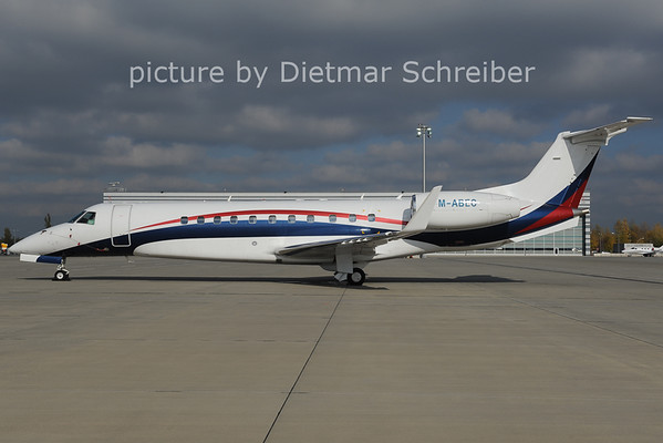 2012-10-31 M-ABEC Embraer 135