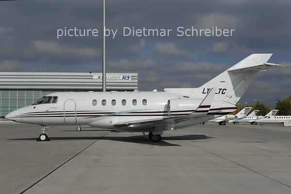2012-10-31 LY-LTC Hawker