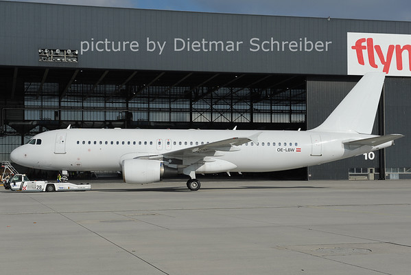 2012-10-31 OE-LBW AIrbus A320 Austrian AIrlines