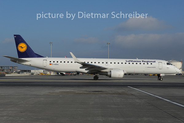2012-12-20 D-AEBJ Embraer 195 Lufthansa Regional