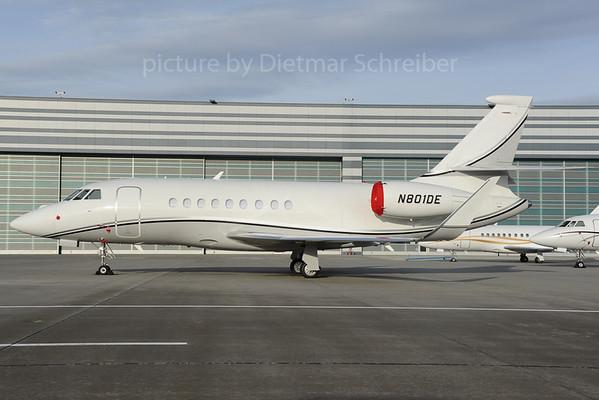 2013-01-30 N801DE Falcon 2000