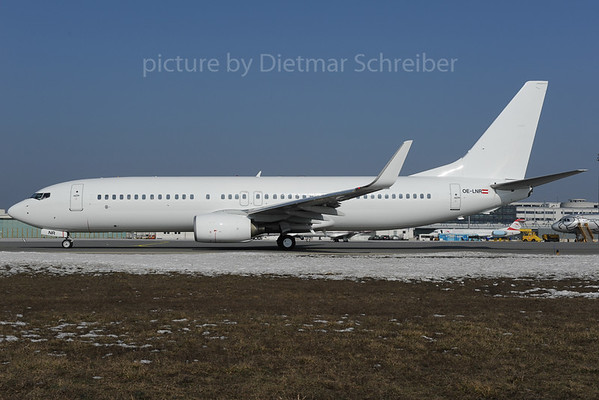2013-02-28 OE-LNR Boeing 737-800